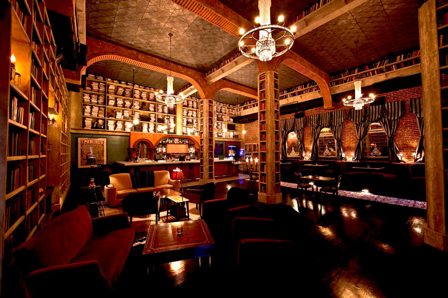 Hemmingway's Lounge